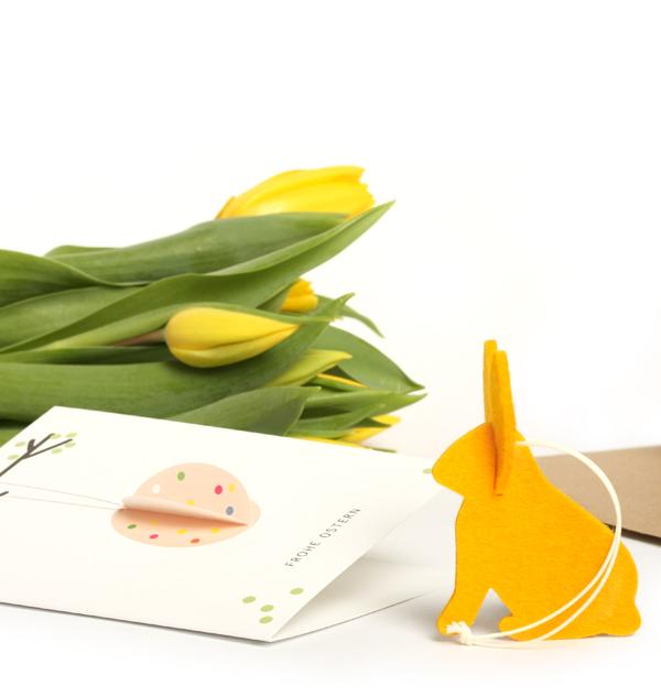 hase-gelb-osterkarte-umschlag-tablet